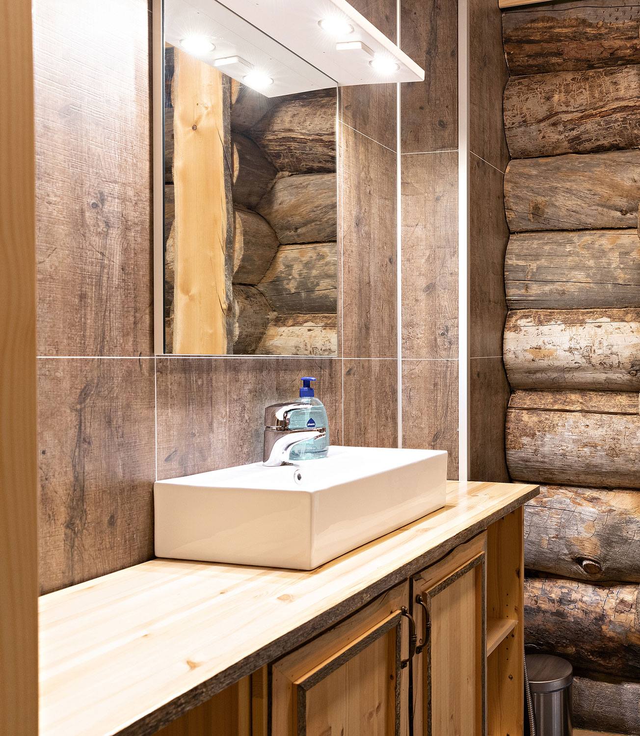 The interiors combine the rustic kelo-wood with clean, nordic design.